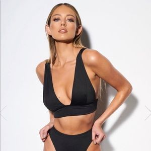 Nia Lynn Collection Black Triangle Swimsuit Top